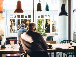 Dauersitzen gefährdet unsere Gesundheit.