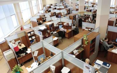 Ozeane aus Schreibtischplatten – das Großraumbüro